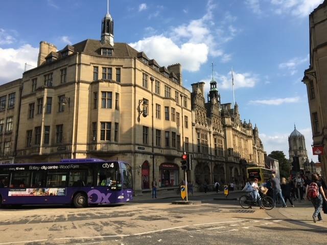 オックスフォード 街並み 歴史的な建物