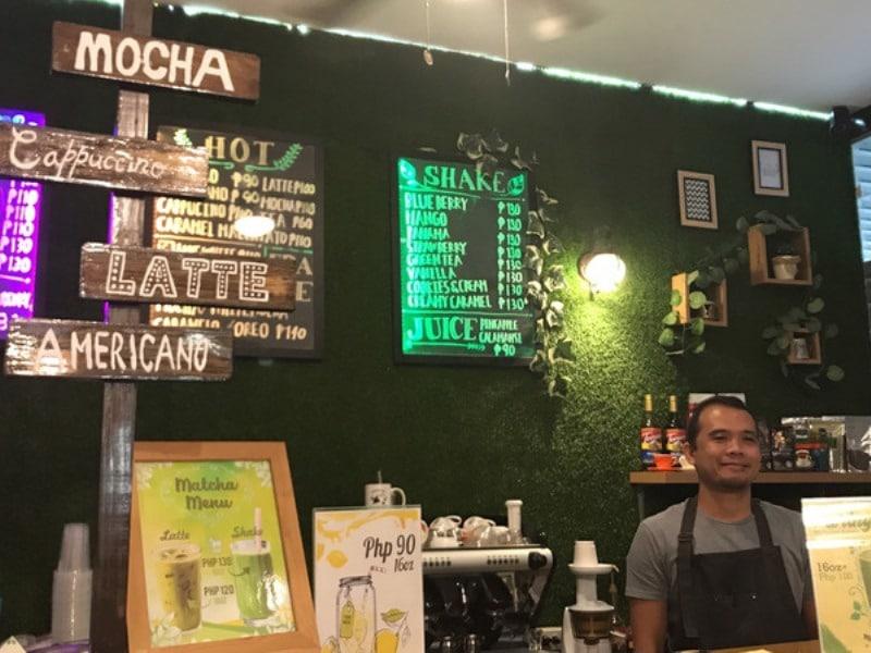 SMEAG キャピタル校のカフェ
