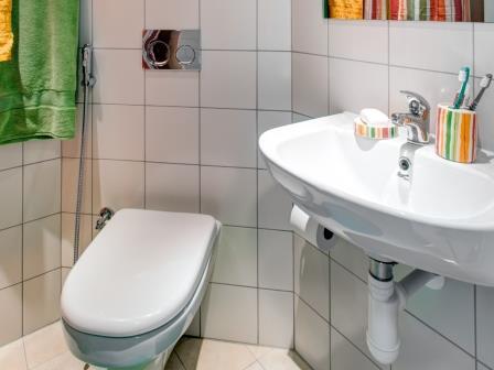 ESドバイの学生寮トイレ