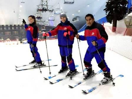 ESドバイの課外活動屋内スキー場