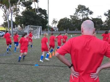 ■注目■海外女子サッカーでプロ契約を目指すプログラム