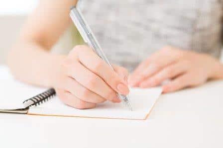 英語のセリフを書き取る