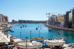 マルタ海沿い