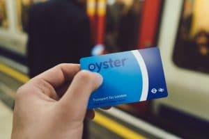 ロンドン移動の必須アイテムオイスターカード